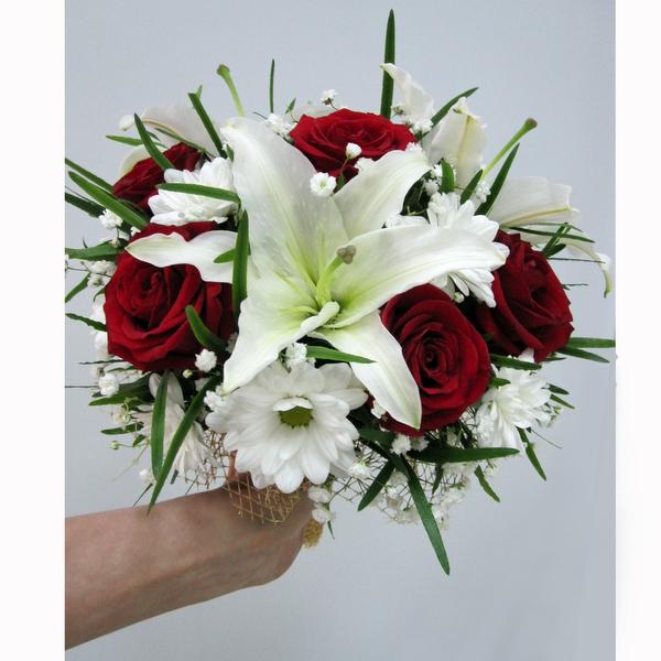 Фото букет из лилий и роз